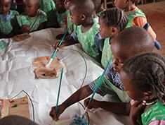 enfants afrique peinture