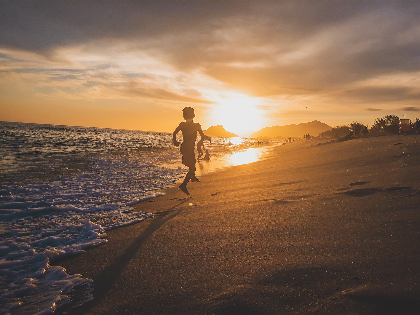 enfants plage horizon